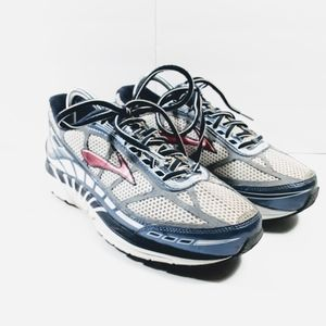 Brooks DYAD 8 Running Sneakers